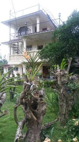 3 Story family house - Gattaran - Hus