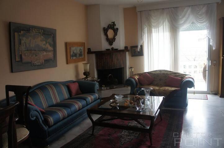 Τριώροφη μεζονέτα - απεριόριστη θέα - Περαία - Casa