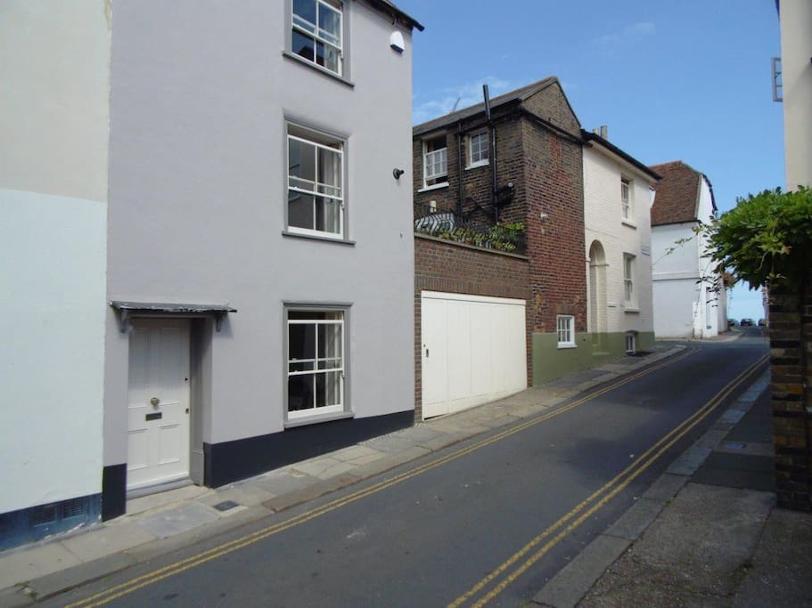 2 bedroom, 4-storey house in Deal's conservation area