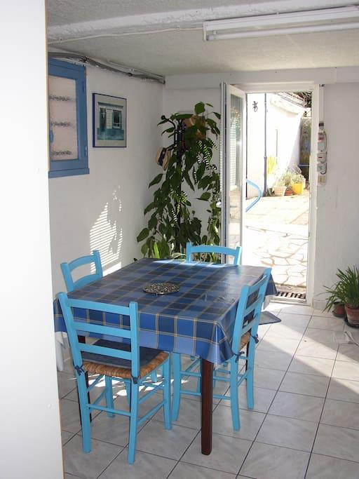 Appartement avec piscine maisons de ville louer for Piscine desjoyaux niort