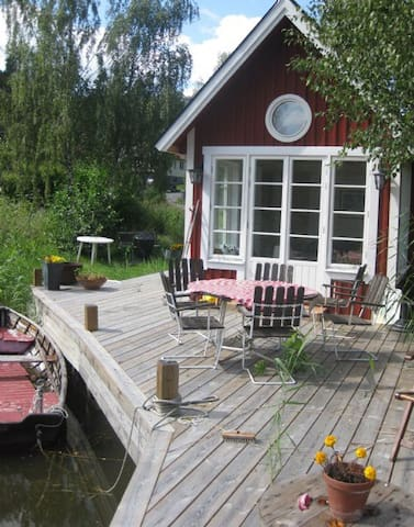 Wonderful Cottage by the Sea - Värmdö SV - Cabaña