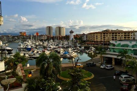 Enjoy the Marina Life Experience - Puerto Vallarta - Kondominium