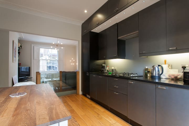 Modern 2-Bed Duplex w/ Garden, Kings Cross