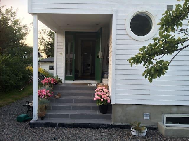 I sentrum og nær Høgskolen i Gjøvik - Gjøvik - House