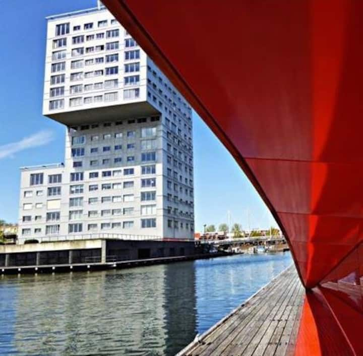 Big bright apartment in suburb of Amsterdam