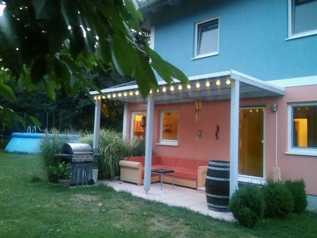 NICE ROOM IN NICE SUBURB OF VIENNA - Purkersdorf - Talo