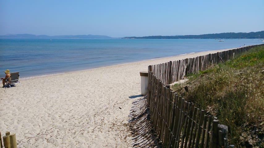 6 couchages à 50 mètres de la plage - HYÈRES  - Huoneisto