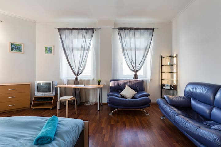 Spacious room,nice view,3 min metro - Moskva - Daire