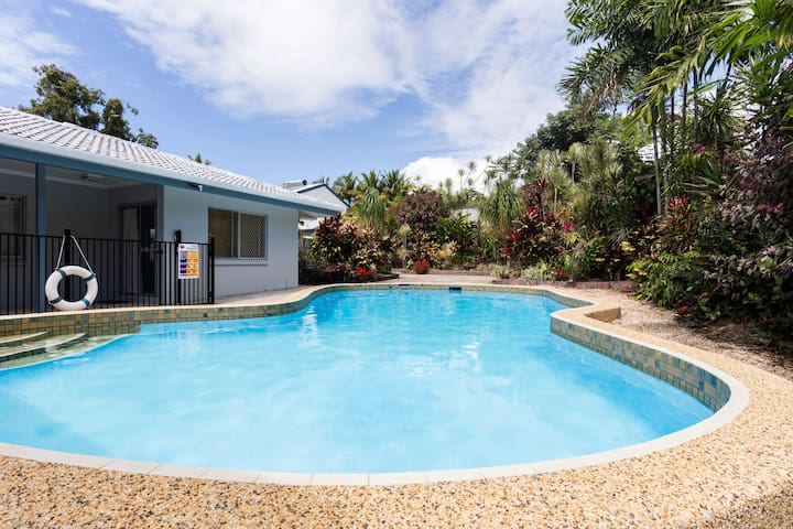 Large granny flat. Close to beach - Palm Cove - Apartment