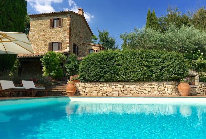 Villa Campi di Sotto - Infinity pool and wifi