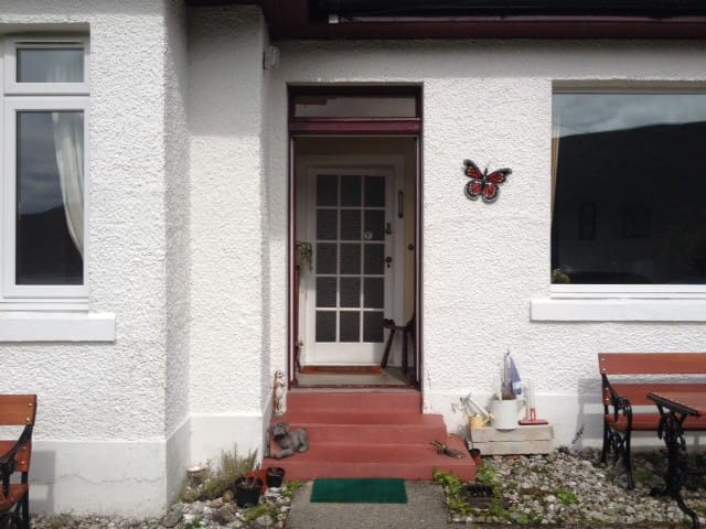 Cosy cottage on Arran sleeps 5-8 - Lochranza - Bungalow