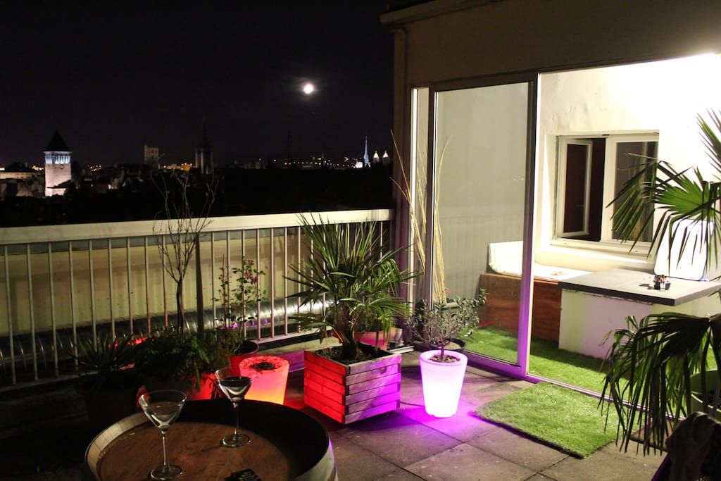 Appartement 70m2 centre ville vue magnifique apartments for Appartement bordeaux 70m2