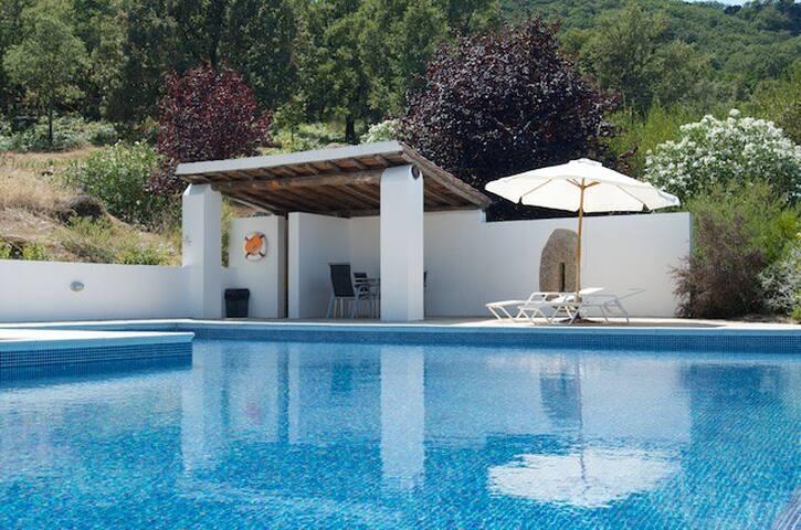 Casa da Figueira with swimming pool