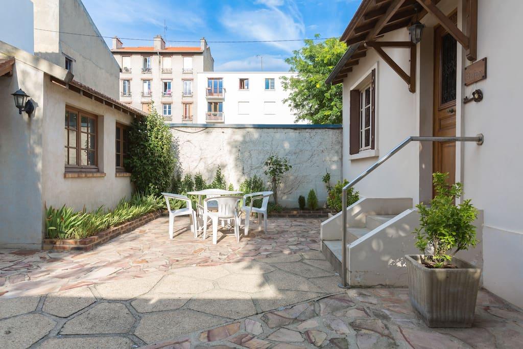 Un petit versailles pr s de paris maisons louer colombes le de france france - Location maison jardin ile de france colombes ...