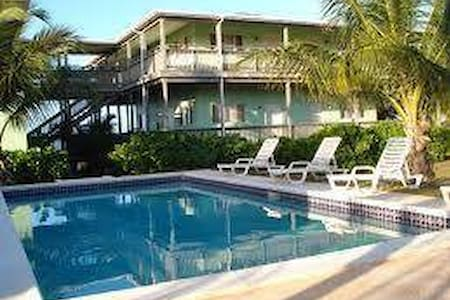Greenwich Creek Lodge - Deadman's Cay Settlement - Bed & Breakfast