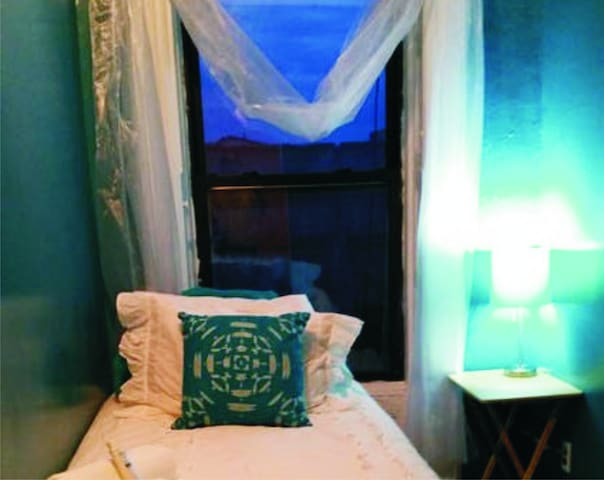 Bed for 1 Quiet Home Crown Heights - Brooklyn - Bed & Breakfast