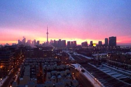 Loft with a View on King W - Toronto - Apartment