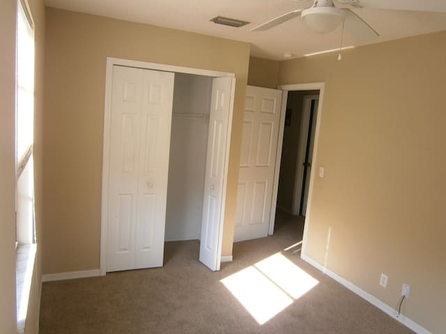 Private Bedroom in Lake County FL - Eustis