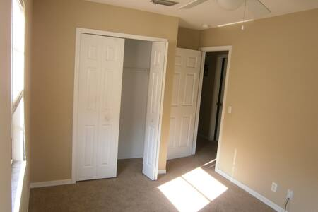 Private Bedroom in Lake County FL - Eustis - House
