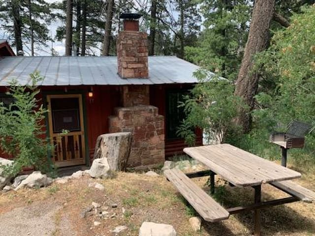 Aspen Whisper located near beautiful Zenith park.