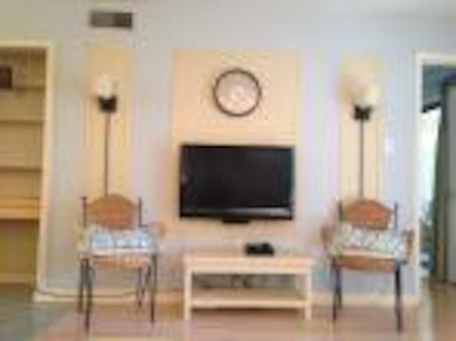 Enjoy the flat screen TV, DVD player, high speed internet, wifi, cable, or Netflix on your down time.