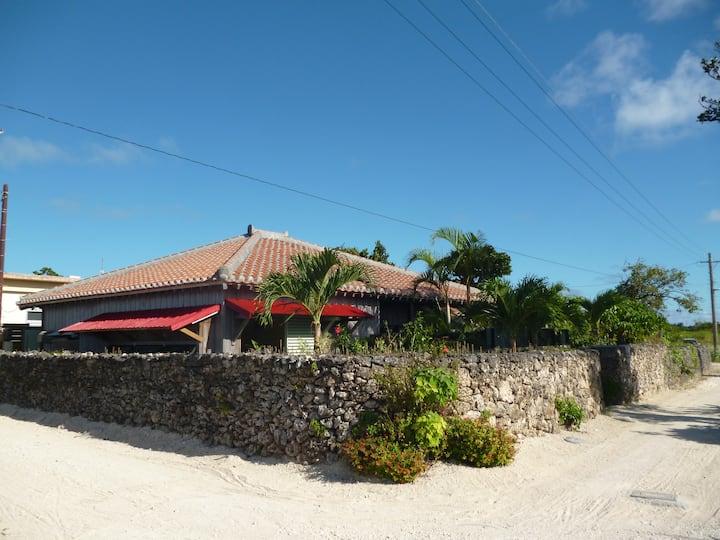 サンゴ礁の島のスイートルーム(sapunaルーム)。