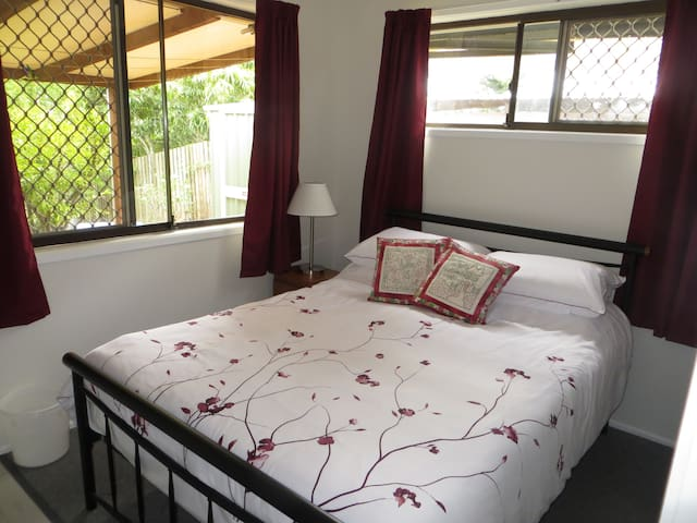 Private 2 bedroom guest wing - Springwood - Apartemen
