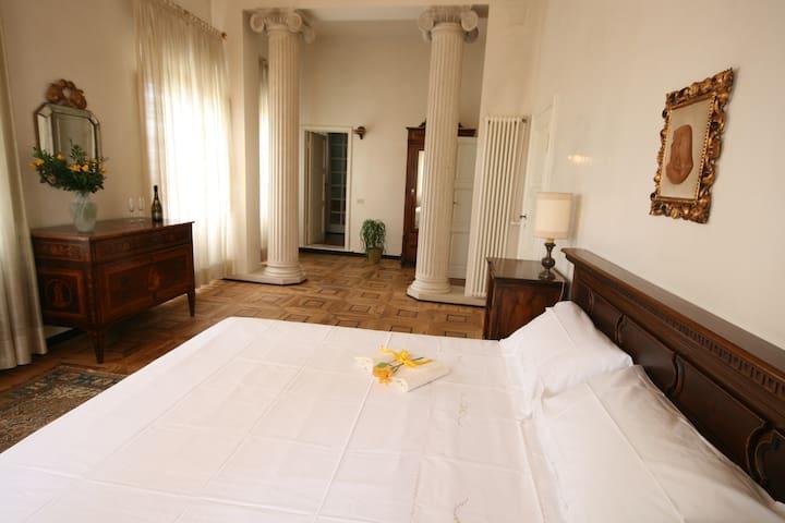 Suite Narciso BeB in a Tuscan Villa - Empoli - Villa