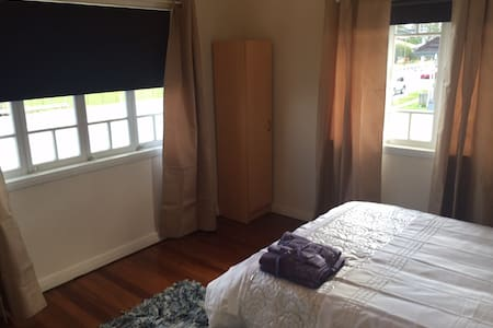 Retro Queenslander -  R1 - Rocklea - 独立屋