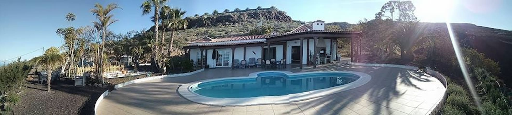 Beautiful  & private Guest House in a big Villa . - Adeje - Daire