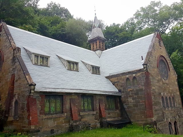 Woodside 1 - Historic Church. Unique Experience