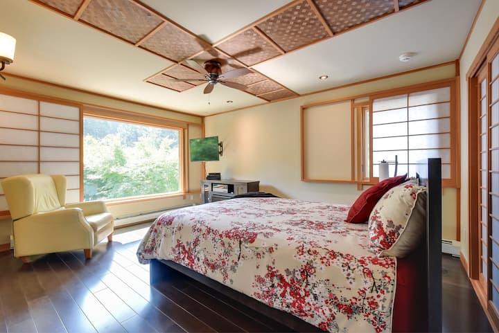 Executive suite overlooking Japanese Garden