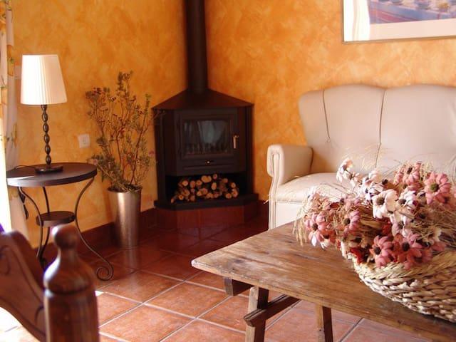 Disfruta de la absoluta tranquilidad...4 plazas - Estepa - Vila