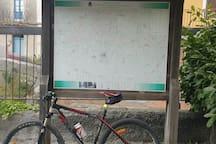 Percorsi mountain bike e trekking nella vicina montagna (già a 1 km di distanza dalla casa)