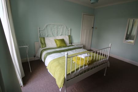 Private Room North Of Colchester - Colchester - Huis