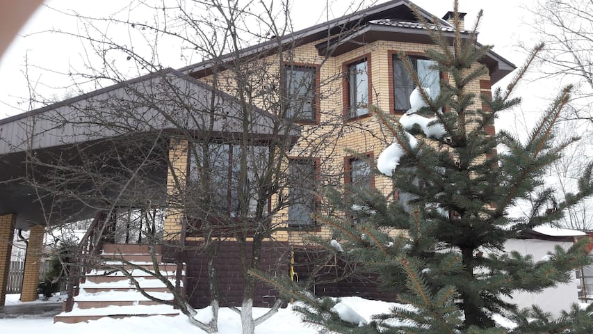 Коттедж в Ивантеевке - Ivanteevka - House