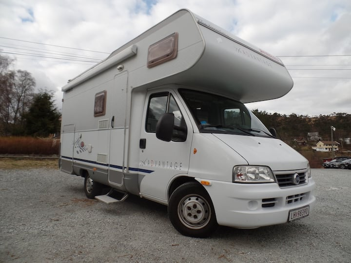 LIVINGPLACE ON FOUR WHEELS/LETS TRAVEL AND STAY