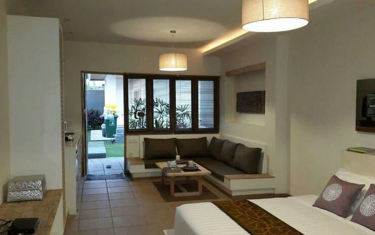 Big lounge area