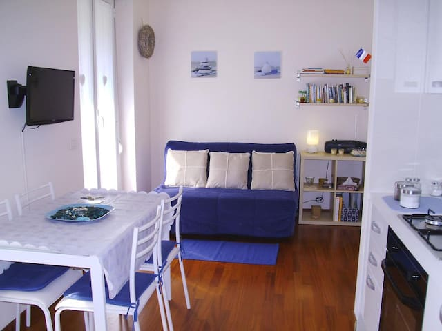 Zara Cosy & Cheap Apartment