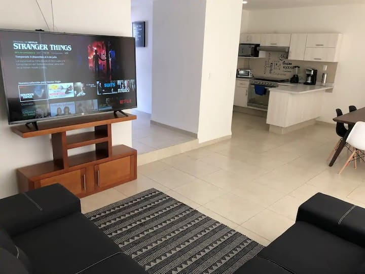 Moderna casa 3 Hab-Frente a Zona Industrial