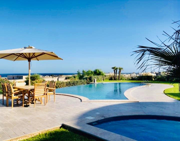 Villa haute standing avec piscine