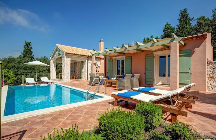 Rosepetra Villa
