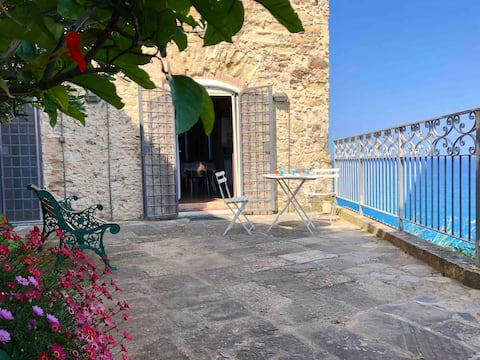Relax at PALAZZO PIZZO RESIDENCE * sea view *