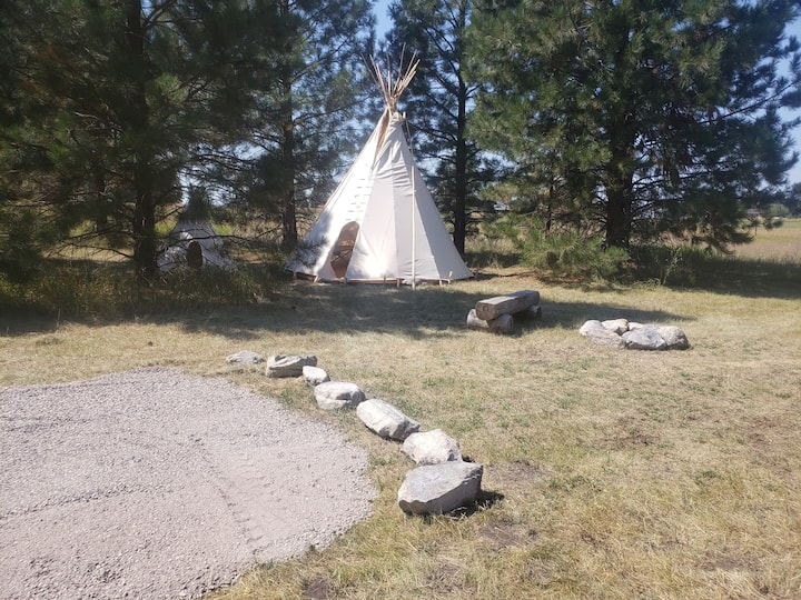 16ft Authentic Tipi only 15 minutes to Glacier