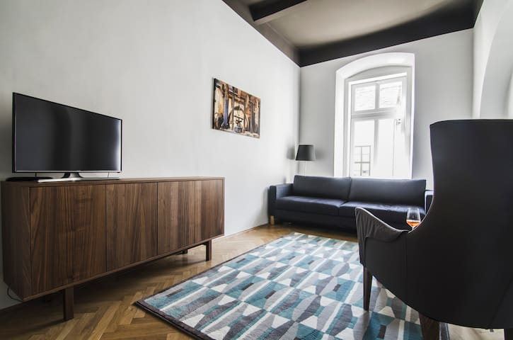 K57 - Chic apartment on main pedestrian street - Pécs - Flat