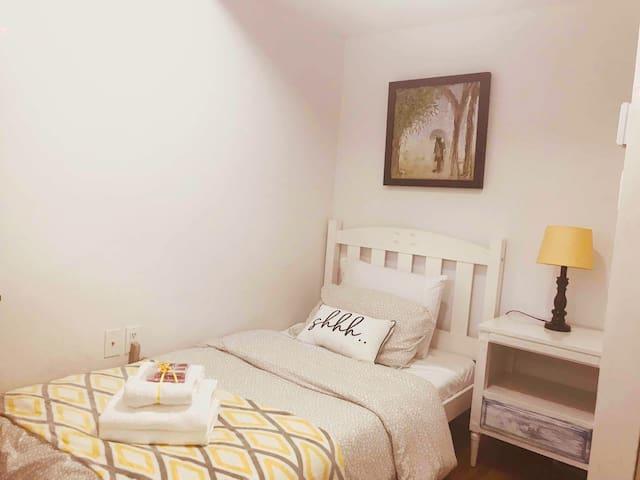 Cozy bedroom, quiet area