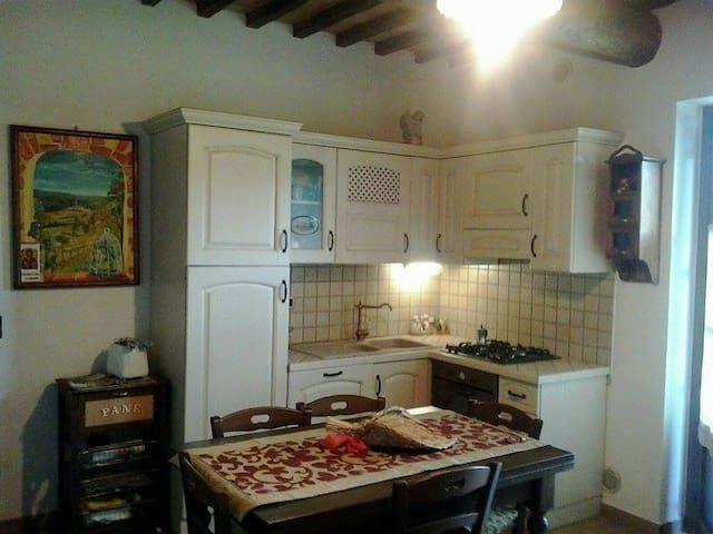 Il Giglio App.to in casa colonica - San Rocco - Apartment