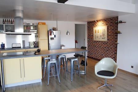 Duplex de 100m², proche JB Lebas - Appartement