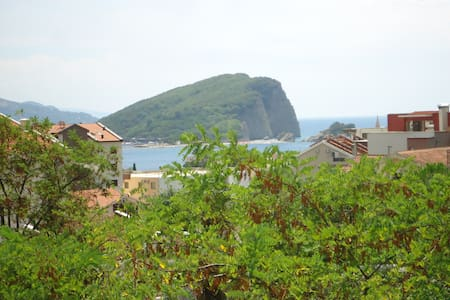 Silent Apartment with Seafront View - Budva