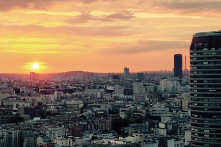 Bedroom amazing View on Paris